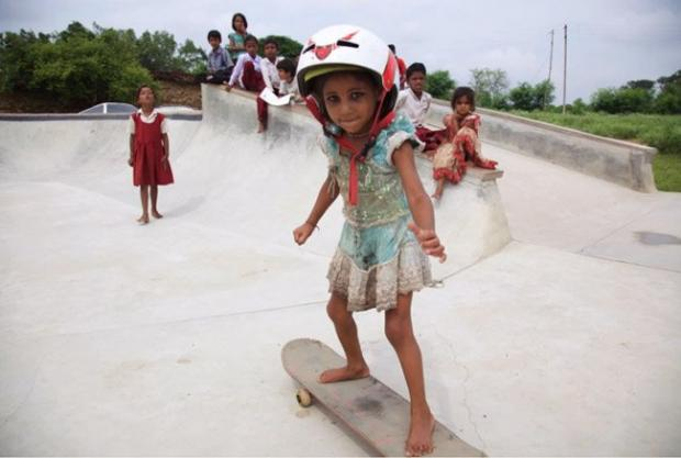 Barefoot Skateboarders of Janwar